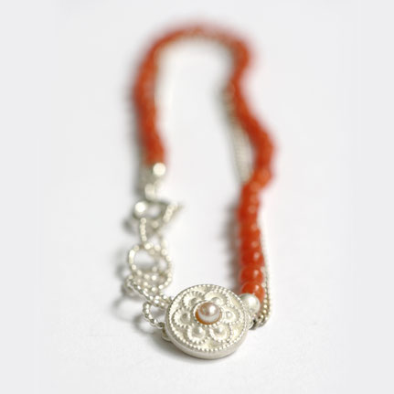 bloedkoralen sieraden, zeeuws bloedkoralen armband