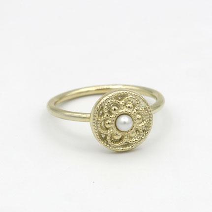 gouden knoopjes ring