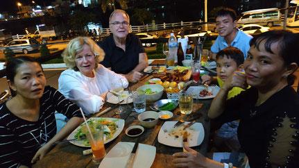 Unsere vietnamesische Familie im BBQ UN IN