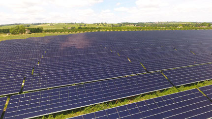 champs solaire ferme photovoltaique