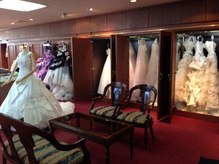 美濃加茂・関・可児でウェディングドレス、カラードレスのレンタルといえば「ブライダルサカエ」