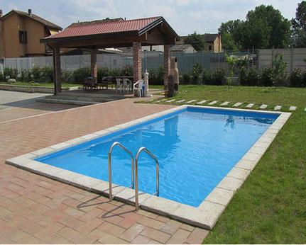 Installation piscine enterrée de luxe avec membrane armée et nage à contre courant Dolce Vita Gold Laghetto Alba Alès proche de quissac