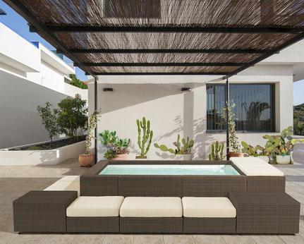 La playa n'est pas un spa ni un jacuzzi, c'est une petite piscine de ville moins de 10m² sans autorisation et sans dalle Laghetto Alès proche de Remoulins