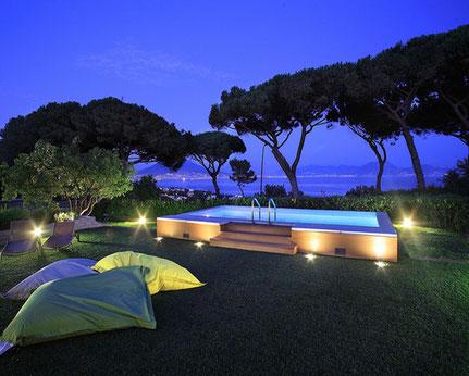 Livraison piscine de luxe haute qualité semi-enterrée au sel avec plage bois Alès près de bagnols sur cèze