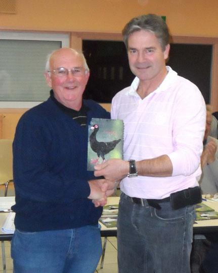 Ch C remet le prix du vice champion de france Bagadais Français à J Poncelet