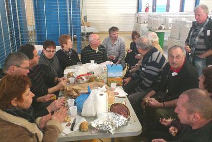 Les produits sont cuisinés par les membres du club selon leur région
