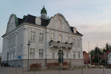 Reinfelder Rathaus Taxi Braasch