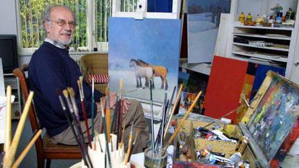 Kunstschilder Jo Altink in zijn atelier...