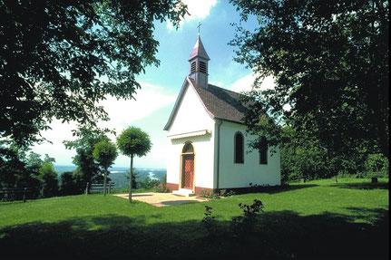Kapelle nahe Ferienwohnung am Golfplatz
