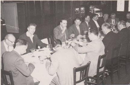 Feier der Société Chorale in den 50zigern im Café Hengen (a Baachen) in der rue de la Gare