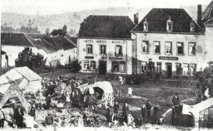+- 1899 - Hotel Weiss-Ackels