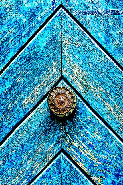 Mateo Brigande, La galerie de Mateo, détails, proxy, poignet de porte, porte ancienne, vétuste, écaillé,