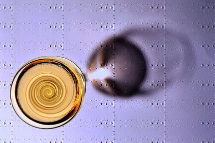 Mateo Brigande, La galerie de Mateo, détails, proxy, verre, alcool, zinc, turbulence, vin, rosé, ombre,