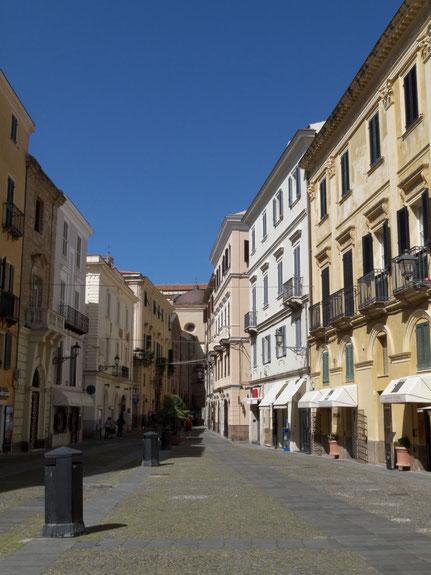 A l'intérieur de la ville fortifiée