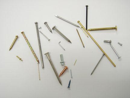 特殊釘と線材加工の例