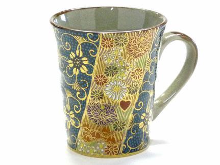九谷焼通販 おしゃれなマグカップ 青粒+金花詰 正面の図