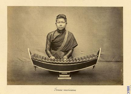 Plus ancienne photographie de roneat ek. Émile Gsell, c. 1866-70