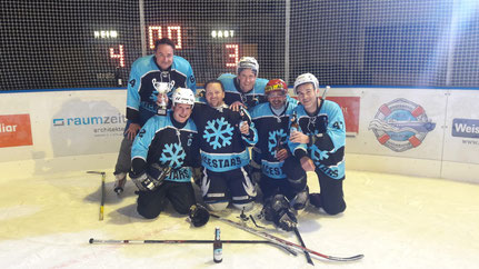 """Das Siegerteam """"ICESTARS"""""""