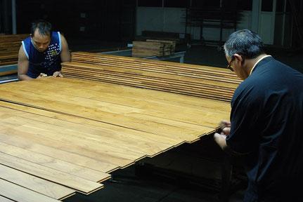 木材調達記 アンドウッド インドネシア 新潟 植林 次世代の素材 検品
