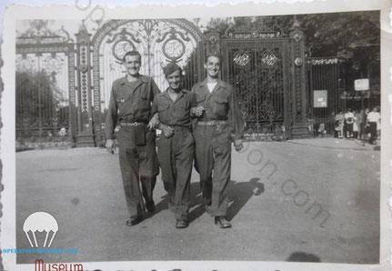 Paul, à gauche, Service militaire à Marseille  en 1945