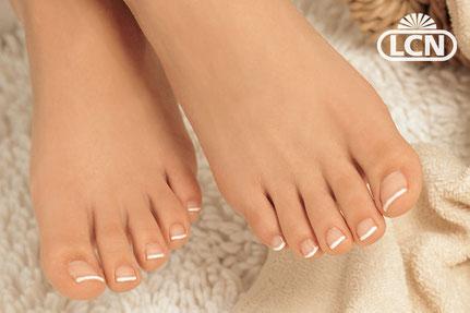 Sommerhit - Nagelmodellage für die Füße