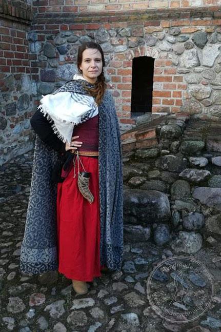 mittelalterlicher Mantel, Gugel Tasselmantel Wollmantel