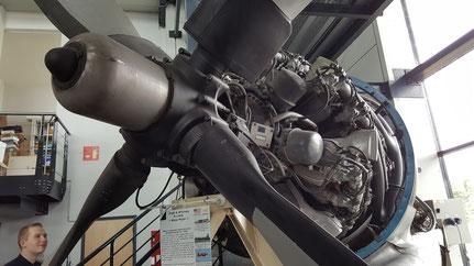 Pratt & Whitney R-4360, près de 4000 chevaux !