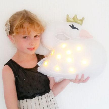 Coussin cygne qui s'illumine (cliquez sur la photo pour plus d'informations)