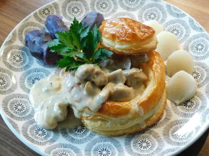 Bouchée á la Reine de Lapin avec Navets et Pommes vitelotte