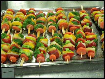 Buntes Gemüse als Grillprodukt kann auch Schüler ansprechen