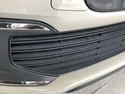 輸入車シトロエンの細部洗浄