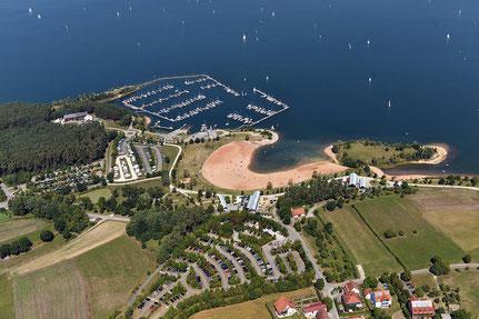 Der Strand und Hafen von Ramsberg