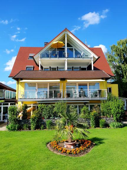Bild: Ferienwohnungen am Bodensee mit Seesicht
