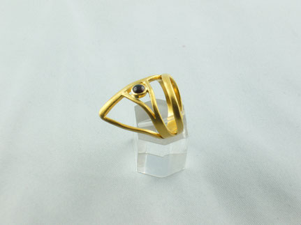 Daumenring aus vergoldetem Silber mit rundem Granatstein