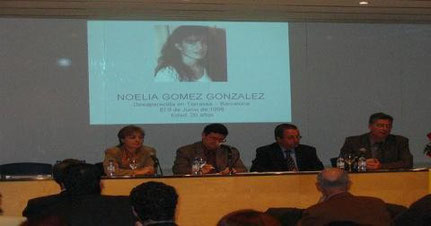 Araceli Vendrell (Consellería de Justicia), Lluis Tejedor (Alcalde del Prat de Ll.), Manuel Jaime (Presidente de Inter-SOS) y representante de la Diputación de Barcelona.