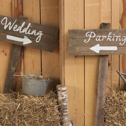 rustikales Vintage Wedding Schild zum Mieten
