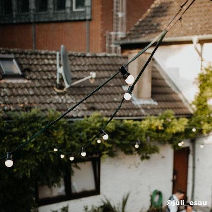Outdoor Lichterkette zum Mieten für Hochzeiten