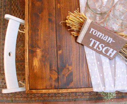 rustikaler klappbarer Holztisch zum Mieten