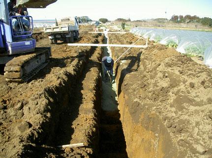 トレンチ、底盤土壌改良状況