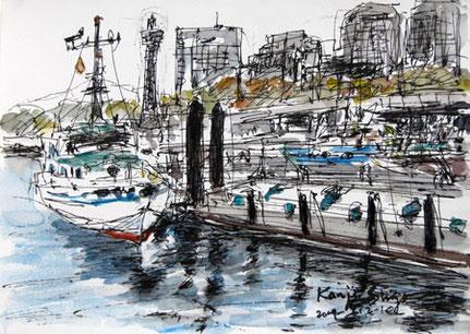 横浜市・横浜港の白い船