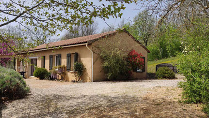 6 persons Holiday House LA TRUFFIERE Private pool (8-4m) link to PICTURES https://www.villa-laroseraie.com