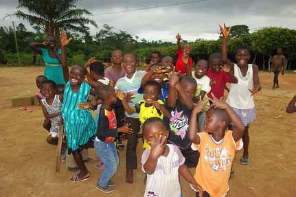 Kids in Enock´s home village