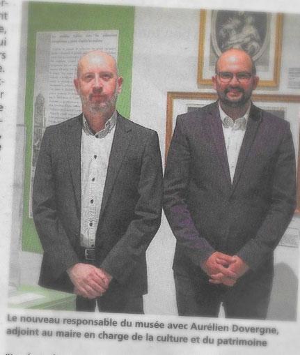 Patrick Absalon à gauche et Aurélien Dovergne à droite posent pour le photographe du Journal d'Abbeville /Photo in Journal d'Abbeville, 26/07/2017