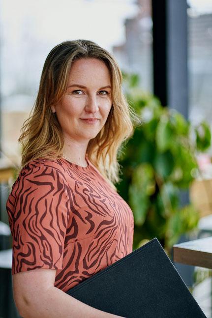 Roxanne Deurloo, Leading Light, online business manager en performance coach