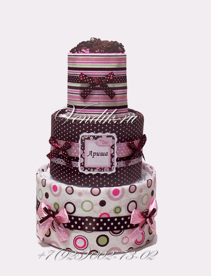 Подарок из памперсов и пелёнок для девочки