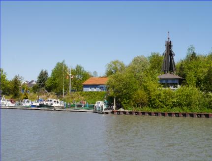 Hafen vom Kanal aus gesehen