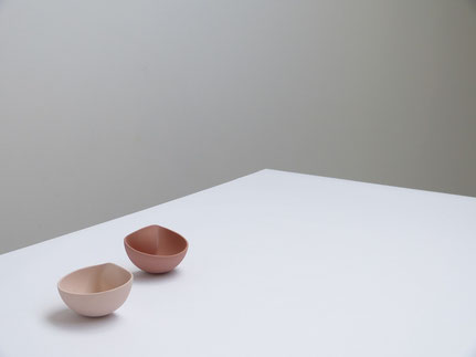 'mOOn', ceramics by ilona van den bergh