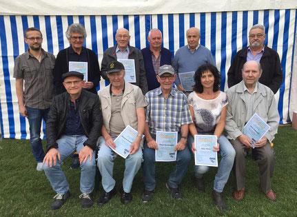 Mitglieder, die für ihre langjährige Vereinstreue geehrt wurden.