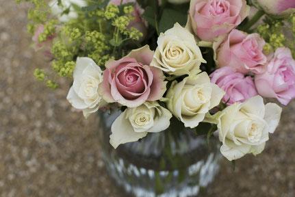 Jede einzelne Rose ist so bedeutsam für die Entstehung eines wunderschönen Rosenstrausses. So bedeutsam ist auch jeder einzelne in der Gestaltung unserer Gruppenangebote.
