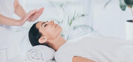 Selbstheilungskräfte, Heilerausbildung, Heil werden, energetische Rückenbegradigung, energetische Bauchmassage
